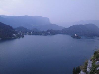 יום שביעי נוף מרחבת המוזיאון לאגם