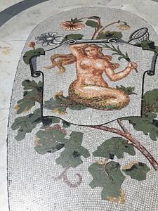 גלריית אומברטו בנאפולי גלגל המזלות