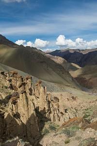 פטריות סלע נחבאות, כמה מאות מטרים מהמקום בו הקמנו את האוהל