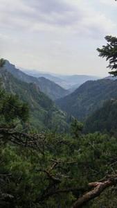 הנוף הנדיר שנגלה אלינו מהתצפית אל העיירה הפסטורלית Smoliyan.