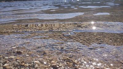 המים באגם צלולים ביותר