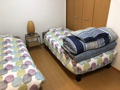 חדר airbnb זול אבל נוח ונקי במקום מצוין בטוקיו. בהמשך הטיול הרמה עלתה