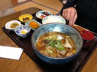 המסעדה של ארוחת הצהריים ב- Mitake