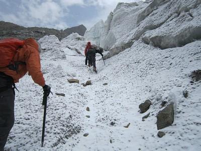 בדרך לטיפוס הקרחונים