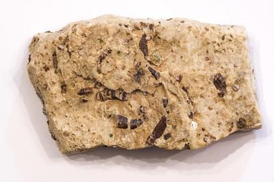 גבישי ספיר באבן שיש