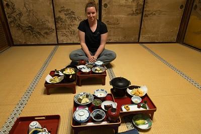 ארוחת ערב בחדר פרטי מסורתי