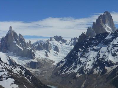 על פסגת Lomo del-peliegue Tumbado - מבט אל פיץ רוי וסרו טורה