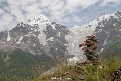הפסגה, סוף העלייה הקשה של היום השלישי - 2800 מטר גובה