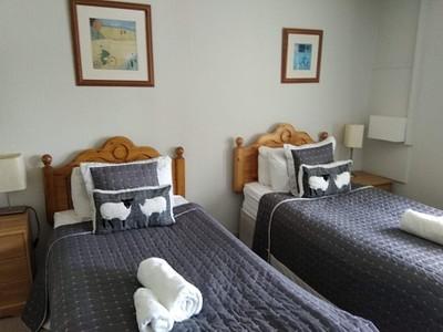 חדר חמוד ונוח מאוד. המחירים קצת גבוהים, אבל זה מה יש פה!