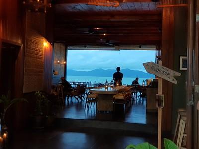 מאחת המסעדות בכפר הדייגים- מומלץ לאכול בשקיעה