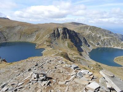 מבט מלמעלה על אגם הכליה ואגם העין