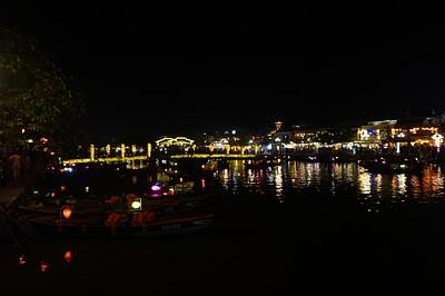 העיר בלילה