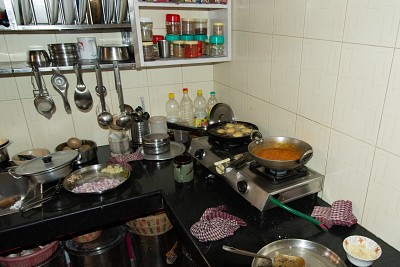שיעור בישול אצל ריטה בבאגסו - dum aloo