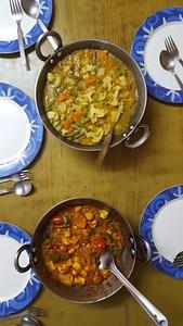 שיעור בישול אצל ריטה בבאגסו - veg korma וpaneer butter masala