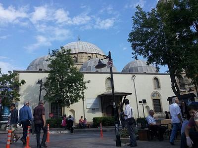 המסגד בעיר
