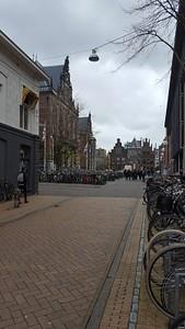 העיר חרונינגן - מלאה באופניים