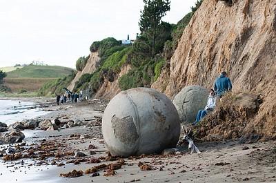 meoraki boulders