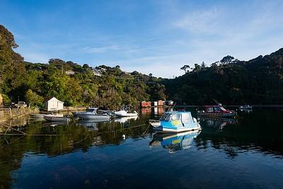 ה- Golden Bay ממנו יוצאות ה- Water Taxi
