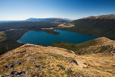 אגם Rotoiti לפני הירידה הסופית