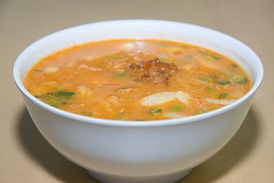 מרק טום יאם פירות ים תאילנדי