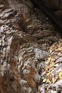 המערה בעליה  לחרבת עירב