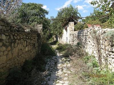 רחוב בחלק העתיק של העיר