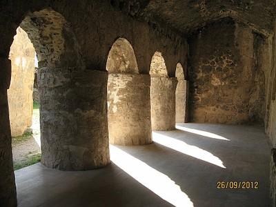 פנים המנזר