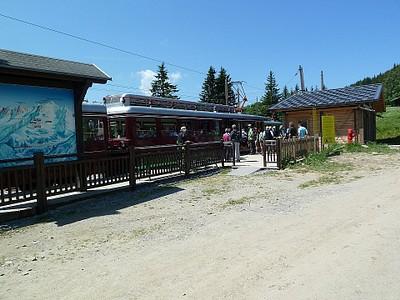 תחנת הרכבת ב-Col De Voza, מכאן אפשר ללכת ל-Les Contamine או להמשיך לוראינט Col De Tricot
