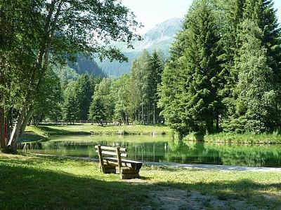 אגם כקילומטר אחרי Contamines - מאוד מומלץ לעצירה.