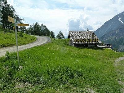 בדרך ל-Courmayeur פוגשים בתים ומסעדות #2