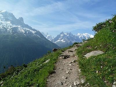 ההליכה לכיוון Lac Blanc