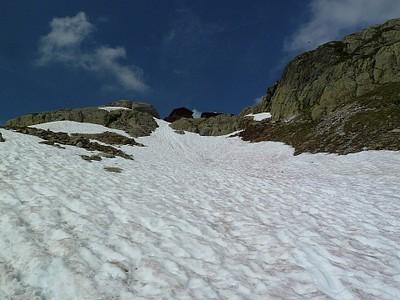 קצת שלג בדרך ל-Lac Blanc