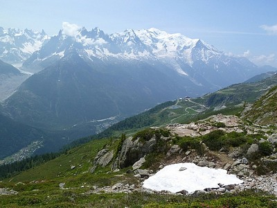 הנוף בדרך ל-Chamonix