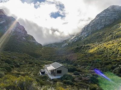 Granity Pass Hut.