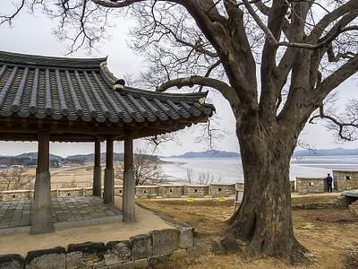 תצפית על צפון קוריאה, פאבילון Yun-Mee-Jung.