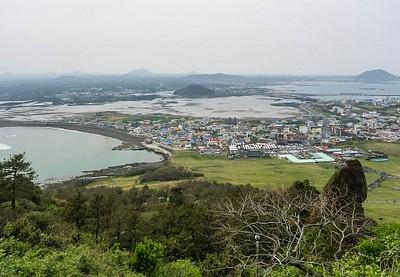 מבט על העיירה Seongsan.