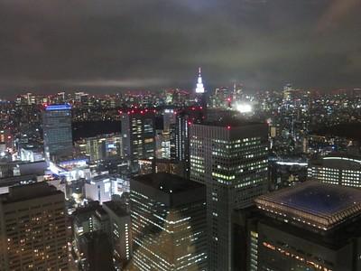 נוף לילי של טוקיו מלמעלה