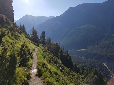 הירידה לעמק