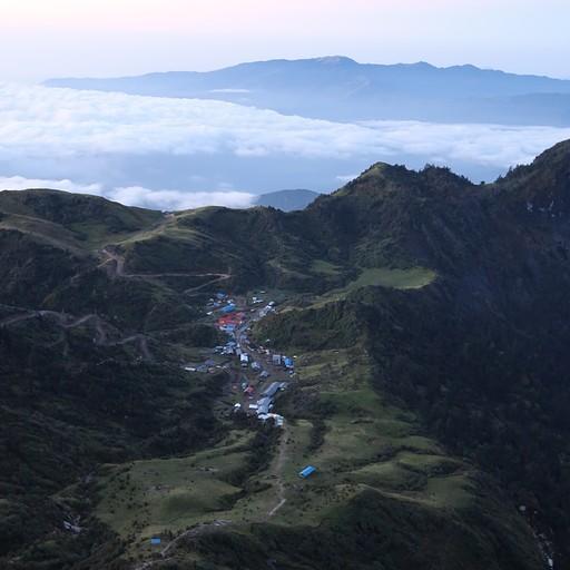 הכפר קורי מנקודת תצפית מעליו