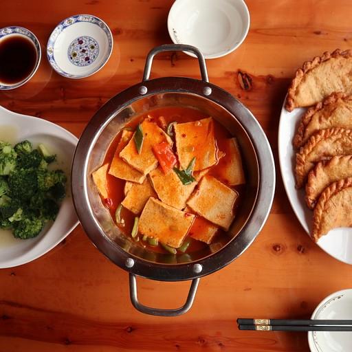 ארוחת צהריים במסעדה הצמחונית Lawadanja - שילוב של טיבט וסין
