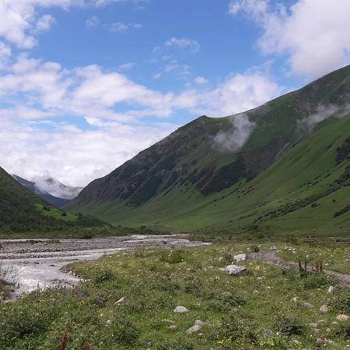 העמק בדרך לקרחון