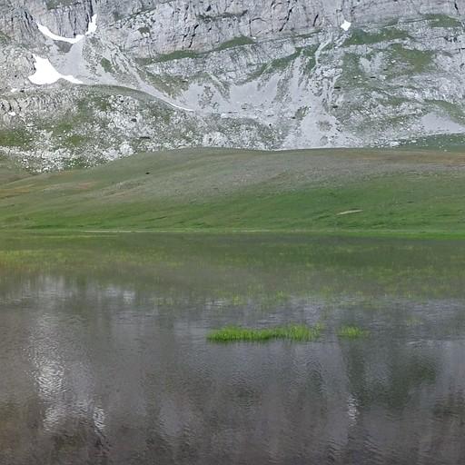 פנורמה של הר אסטרקה ואגם Loutsa Robozi - היום השלישי