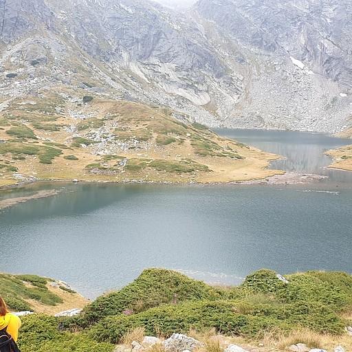 מהאגמים היפים שעוברים לידם