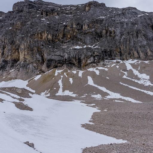 מעט שלג לאורך המסלול