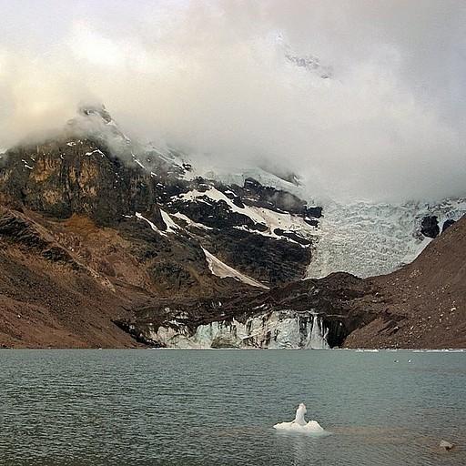 האגם הקרחוני במחנה הראשון