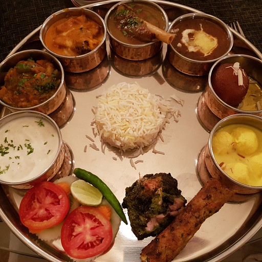 במסעדה הודית של המלון LALIT מדהים
