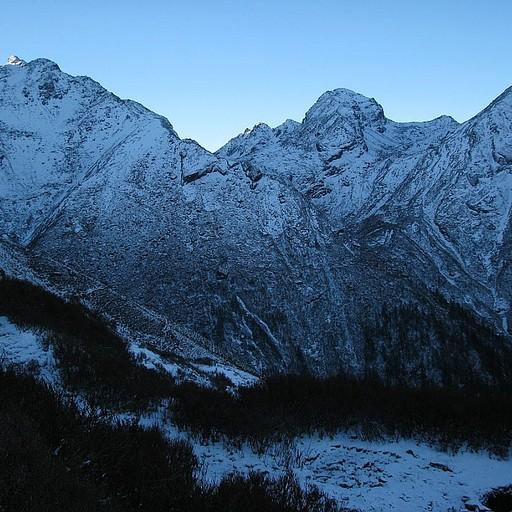 ההרים המושלגים במרחק נגיעה