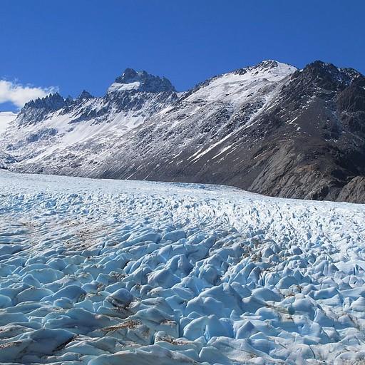 הקרחון לאחר החציה (חוצים בקטע יותר מלוכלך שלו)