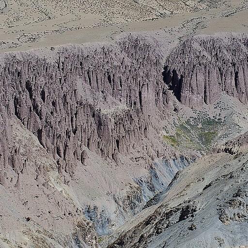 מאות סלעים דמויי פטרייה