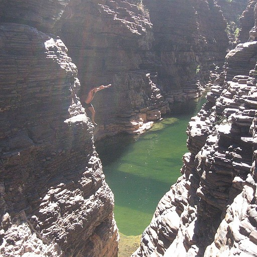 קניון מלא במי גשמים- ניתן לשחות בו מאות מטרים...